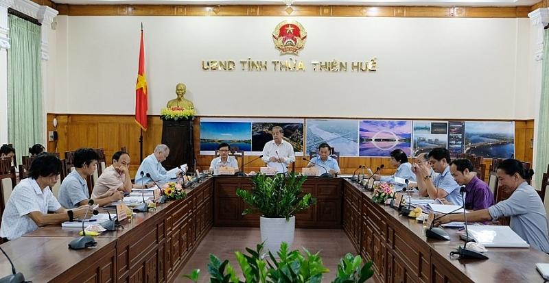 Hội đồng thi tuyển thiết kế kiến trúc cầu vượt sông Hương trên đường Nguyễn Hoàng (thành phố Huế) đã tổ chức thi tuyển chọn bước 2