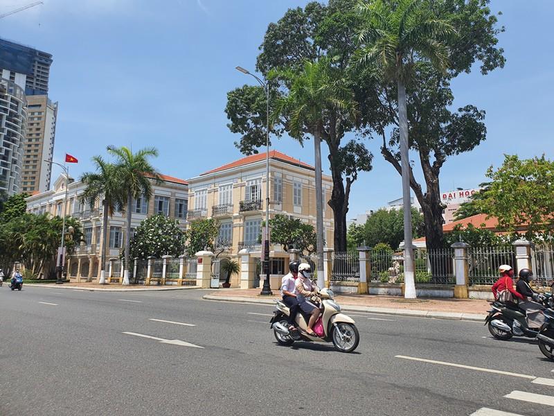 Nhà 42 Bạch Đằng hiện là trụ sở của HĐND TP Đà Nẵng. Ảnh: TẤN VIỆT