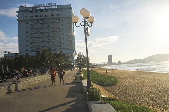 """Tỉnh Bình Định quyết định """"bứng"""" 3 khách sạn ven biển ở Quy Nhơn để trả lại không gian cho người dân, du khách"""