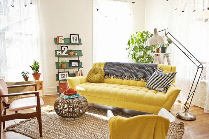 Người mệnh kim nên chọn những bộ sofa có gam màu sáng và sắc ánh kim để hợp phong thủy