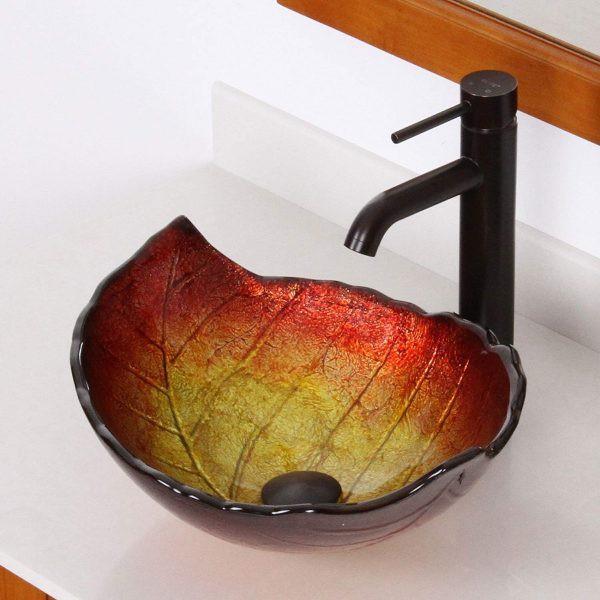 Cảm nhận không gian phòng tắm mùa thu thông qua bồn rửa hình chiếc lá