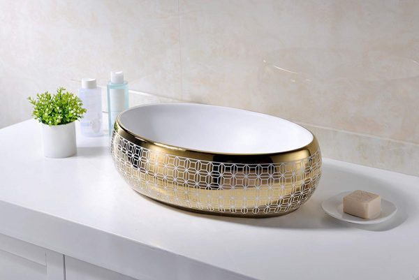 Chiếc bồn rửa bằng vàng này được làm bằng vật liệu chất lượng cao, đi kèm với họa tiết hiện đại hoàn hảo