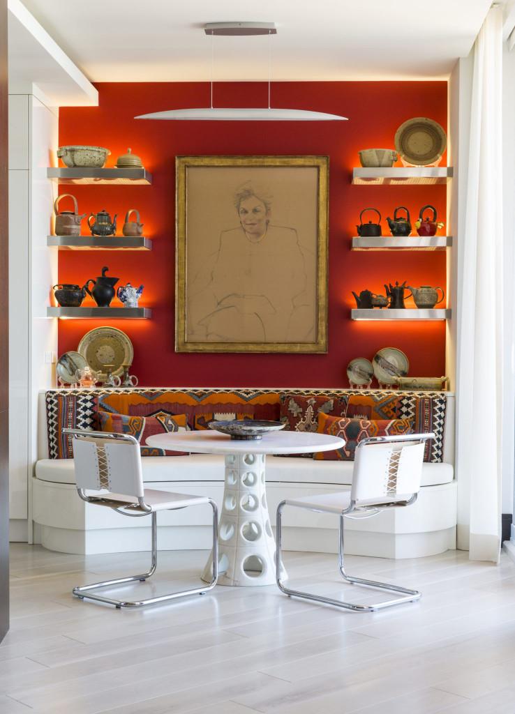 Không cần cầu kỳ, không cần quá nhiều màu sắc, bức chân dung này chính là được đo ni đóng giày sẵn cho căn phòng ăn