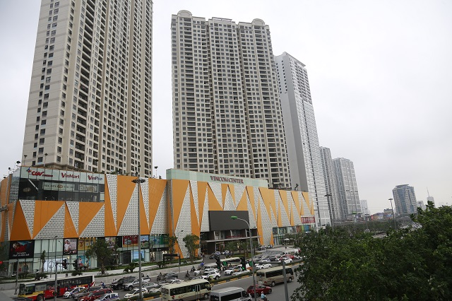 Khu chung cư cao tầng trên đường Trần Duy Hưng. Ảnh: Thanh Hải
