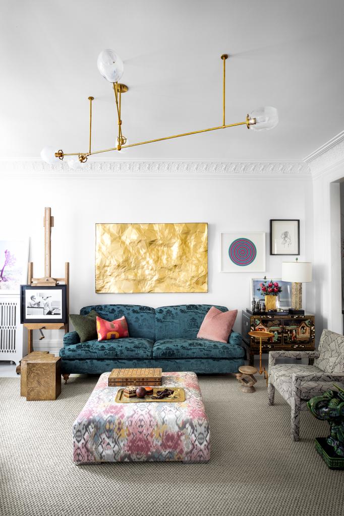 Các chất liệu nội thất được sử dụng rất phong phú khi bạn lựa chọn phong cách đương đại cho phòng khách