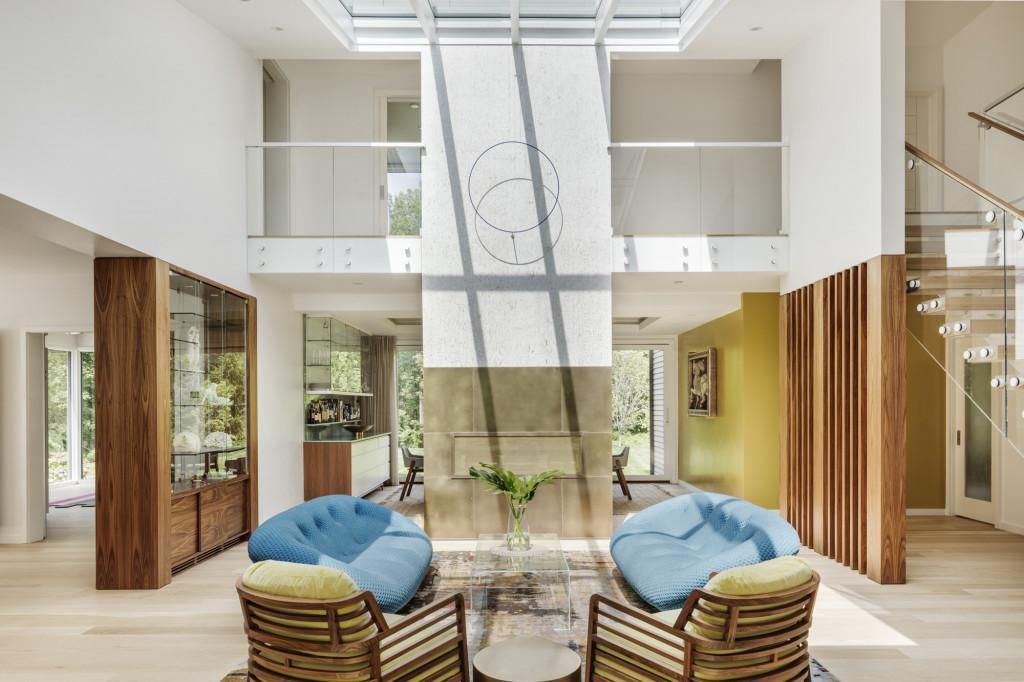 Với những gợi ý trên đây bạn có thể thấy phong cách đương đại là một lựa chọn rất xứng đáng cho phòng khách gia đình