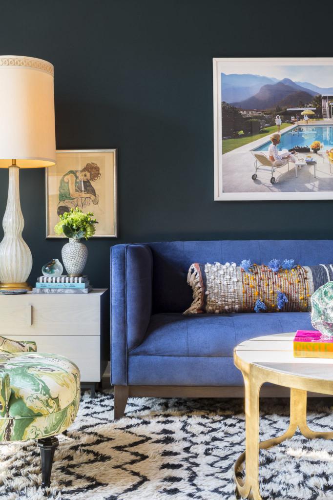 Những bức tranh treo tường ấn tượng không thể nào thiếu được khi bạn sử dụng phong cách nội thất đương đại