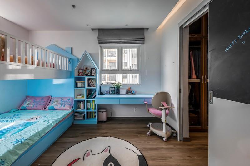 Phòng ngủ của hai con được thiết kế xinh xắn với màu sắc trẻ trung