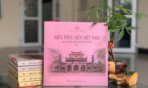 Ra mắt sách về đình, đền, nhà thờ Công giáo và khai mạc phòng triển lãm tranh di sản