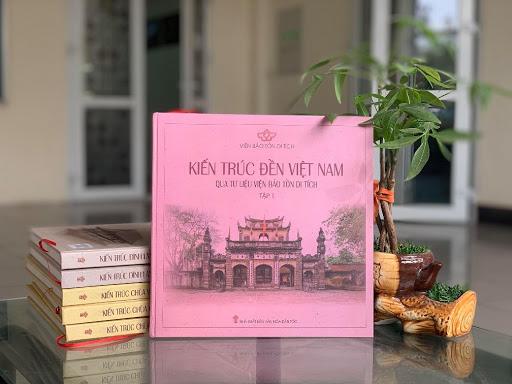 Sách Kiến trúc đền Việt Nam qua tư liệu Viện Bảo tồn di tích (Ảnh: Viện bảo tồn Di tích)