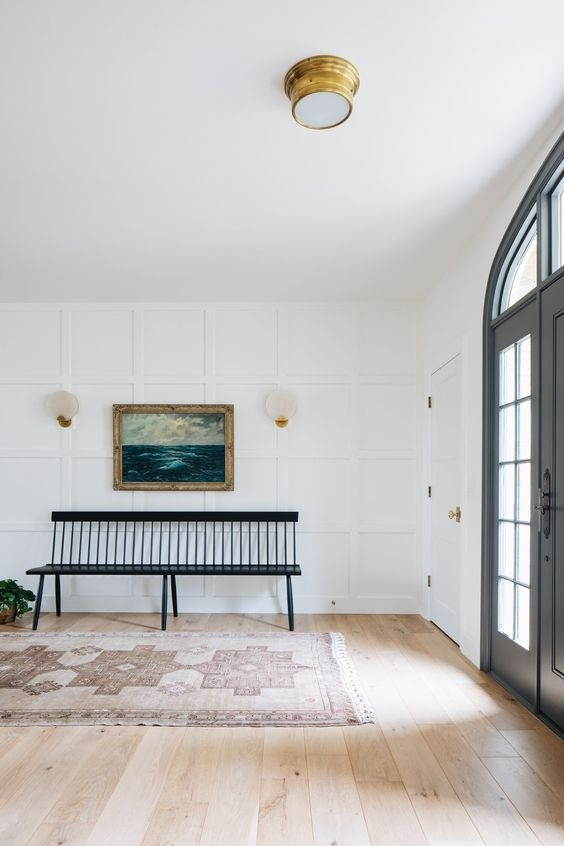 Lối vào nhà trở nên ấn tượng hơn với mẫu tường hình học