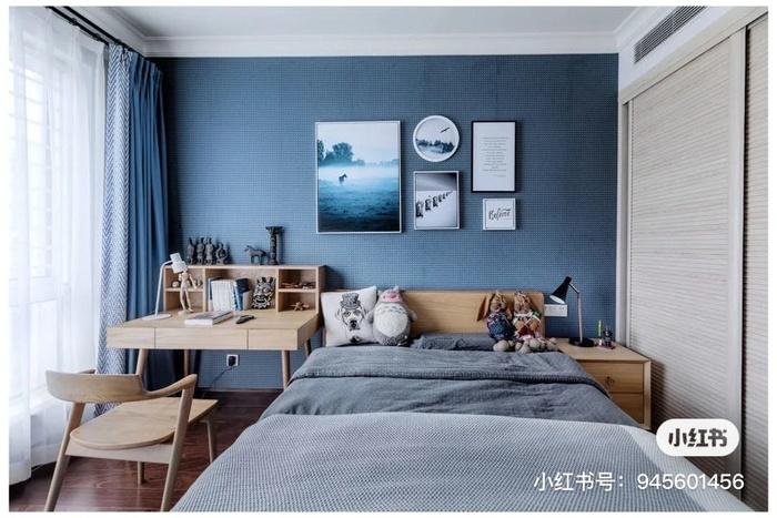 Màu sắc gỗ tự nhiên và sắc thái của màu xanh và trắng giúp căn phòng của bạn trở nên tự nhiên, hiện đại và nhưng vẫn mang không khí vùng ven biển.