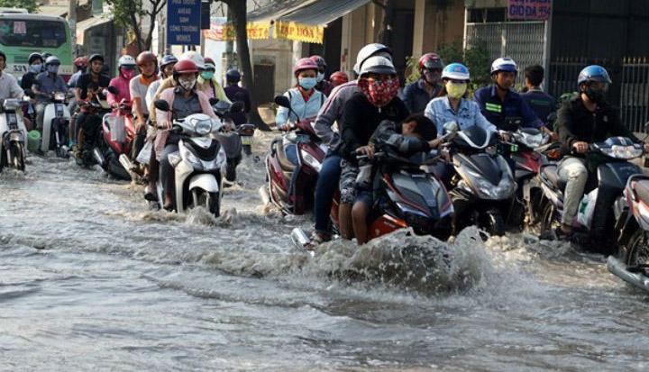 Nhiều nơi tại TP HCM bị ngập mỗi khi mưa to
