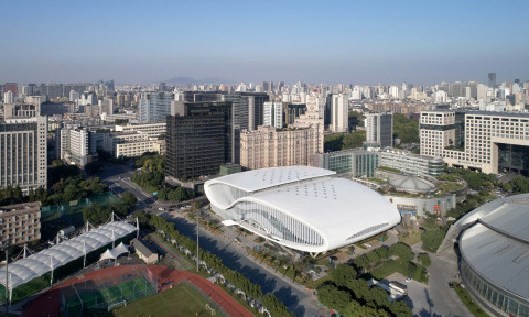 Trung tâm thể thao xoắn lượn xếp chồng ở Trung Quốc