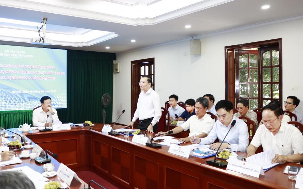 Bộ trưởng Bộ Khoa học và Công nghệ Chu Ngọc Anh phát biểu tại buổi làm việc