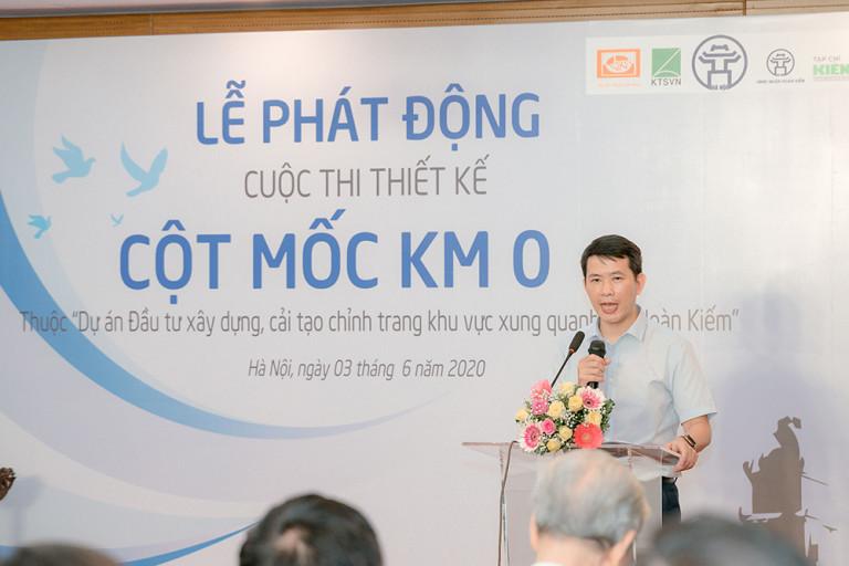 Ông Phạm Tuấn Long, Phó Chủ tịch UBND quận Hoàn Kiếm chia sẻ tại buổi lễ