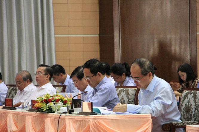 Ủy viên Bộ Chính trị, Bí thư Thành ủy thành phố Hồ Chí Minh Nguyễn Thiện Nhân cùng đông đảo đại biểu các cấp, các ngành tham dự hội nghị