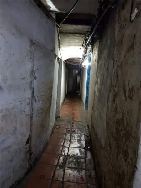 Ngôi nhà phố cổ rộng 24m2 nằm trong căn ngõ hẹp sâu hun hút
