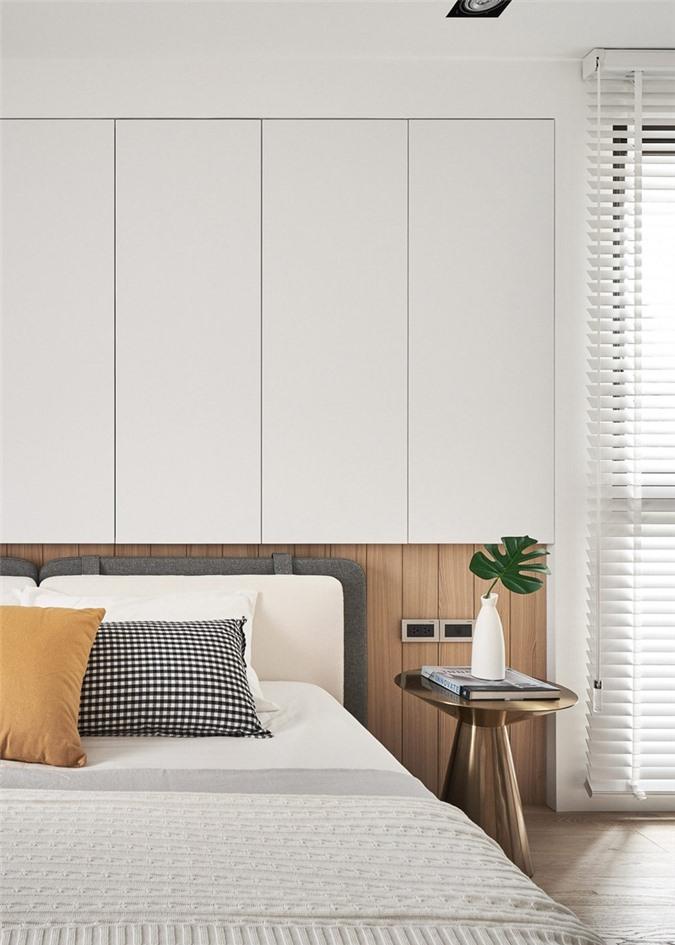 Bàn đầu giường bằng đồng thau nhỏ và nhẹ, dễ dàng trong việc di chuyển