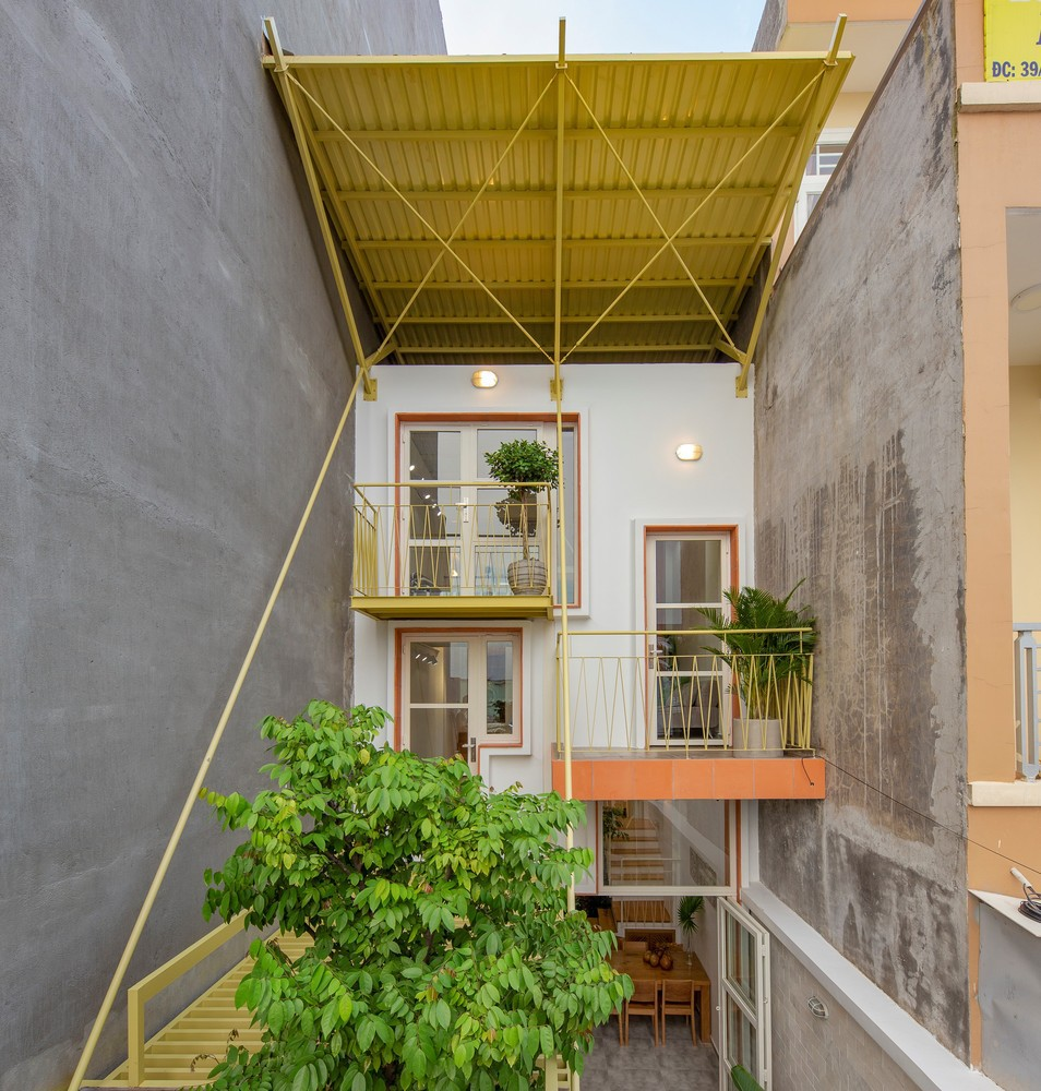 Khoảng cách đệm giữa các mái nhà làm giảm đáng kể thông lượng nhiệt vào nhà