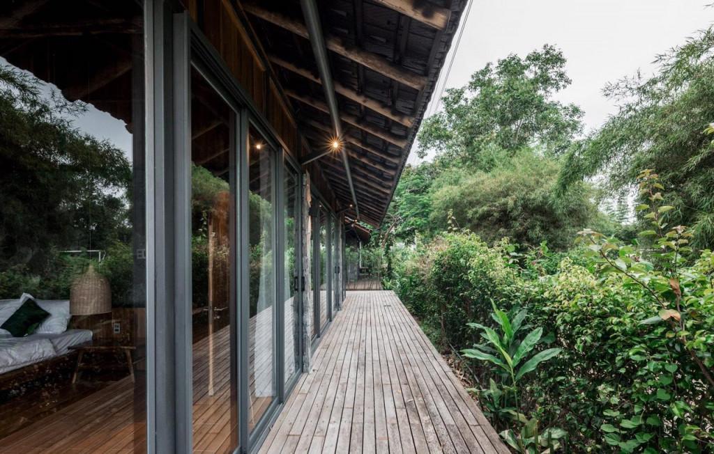 bungalow-porch