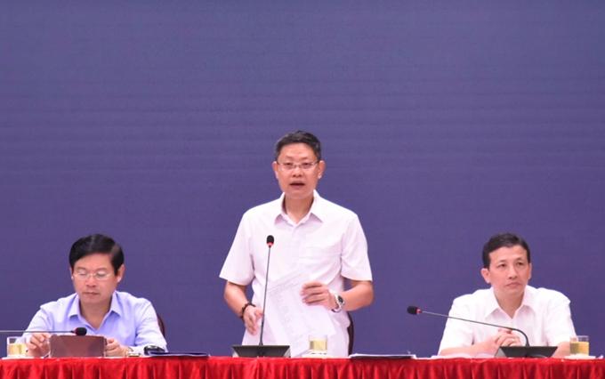 Phó Giám đốc Sở Xây dựng Hoàng Cao Thắng thông tin tại hội nghị
