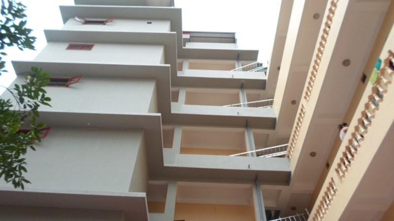 Nhiều công trình nhà ở riêng lẻ nhiều tầng, nhiều căn hộ ở theo kiểu chung cư mini xây dựng không phép, sai phép, sai quy hoạch, lấn chiếm không gian, chia nhỏ căn hộ, tự ý nâng tầng...(Ảnh minh hoạ)