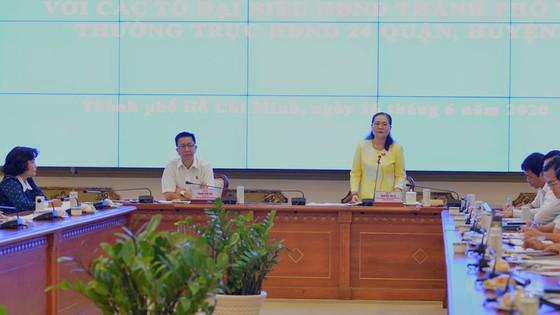 Đồng chí Nguyễn Thị Lệ yêu cầu giám sát một số nhiệm vụ trọng tâm 6 tháng cuối năm 2020. Ảnh: VIỆT DŨNG