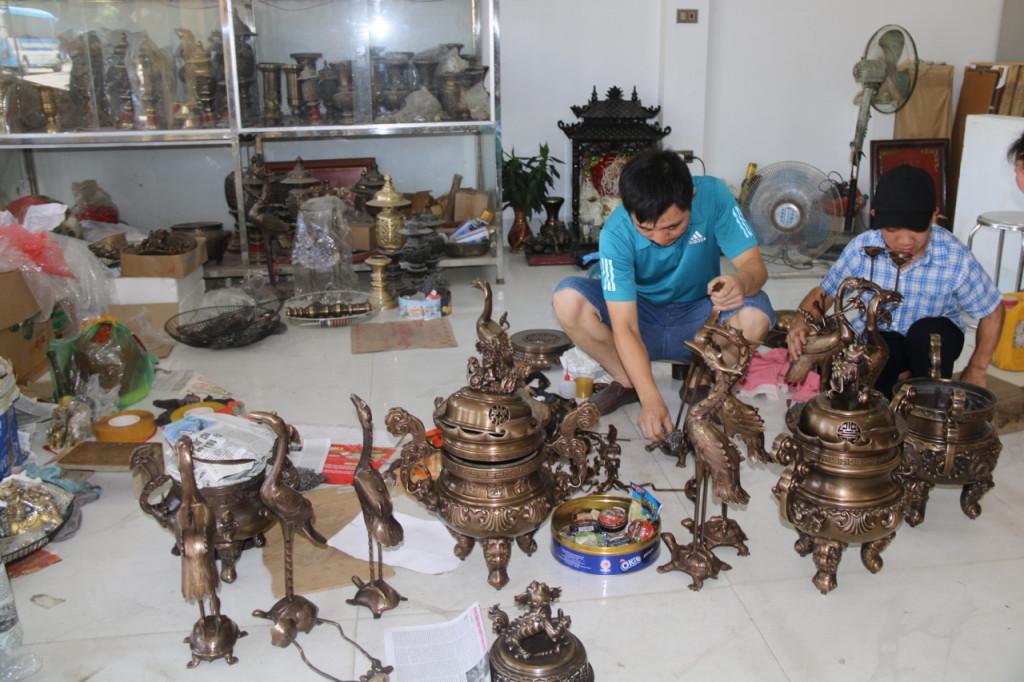 Thăm cơ sở anh Bách tại làng nghề đúc đồng Đại Bái – Hưng Yên