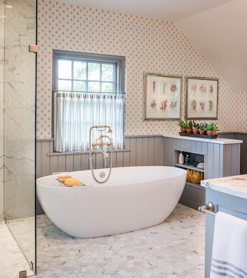 Với mọi không gian lớn bé của nhà tắm bạn luôn tìm thấy được mẫu bồn tắm oval vừa vặn nhất