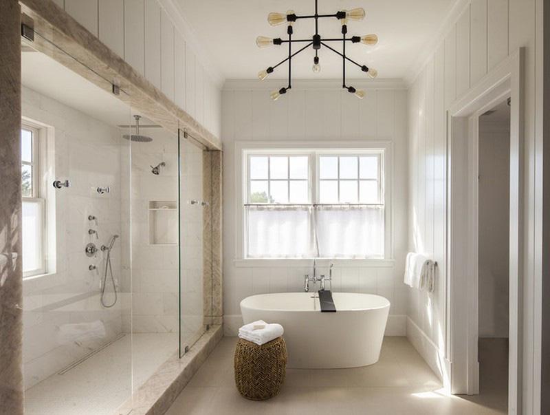 Thiết kế của bồn tắm oval cũng mang lại cảm giác thư giãn hơn nhiều so với bồn tắm đứng khi sử dụng