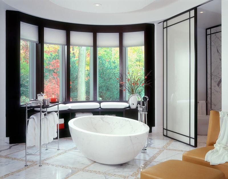 Mẫu bồn tắm được làm từ đá cẩm thạch vừa đẹp, vừa sang lại có tuổi thọ sử dụng lâu dài