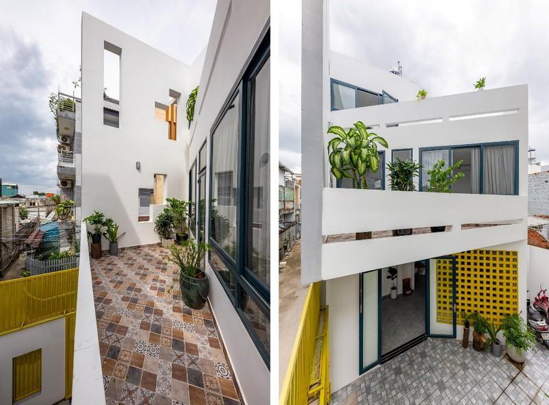 Ngôi nhà ấn tượng bởi sự sắp xếp khéo léo của KTS từ không gian bên ngoài và các khoảng mở giật bậc của sân vườn