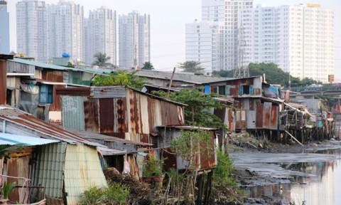 Di dời nhà ở trên và ven kênh, rạch tại thành phố Hồ Chí Minh: Nỗ lực tìm các giải pháp