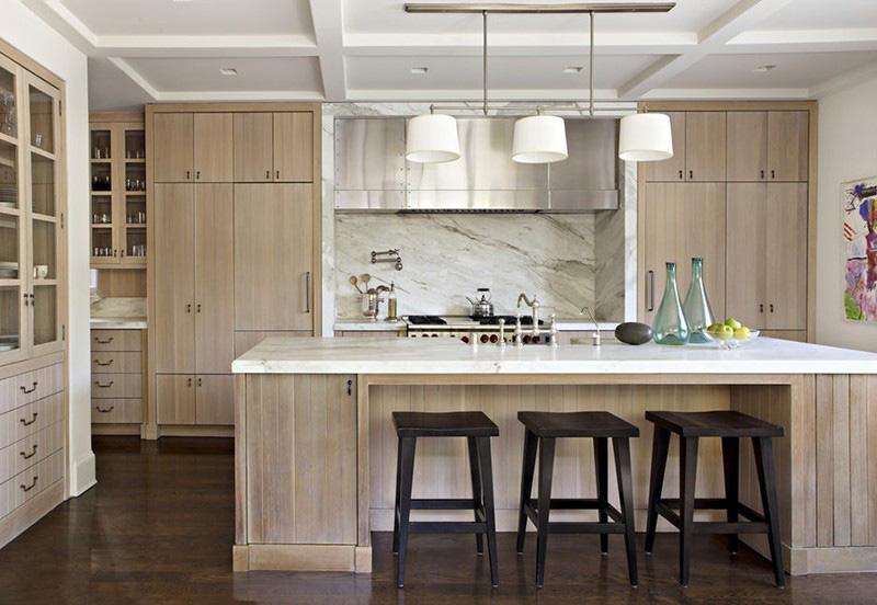 Inox hay đá cẩm thạch là những chất liệu thường xuyên được sử dụng trong nhà bếp cùng với gỗ tự nhiên để mang đến nét đẹp hiện đại cho không gian sinh hoạt này