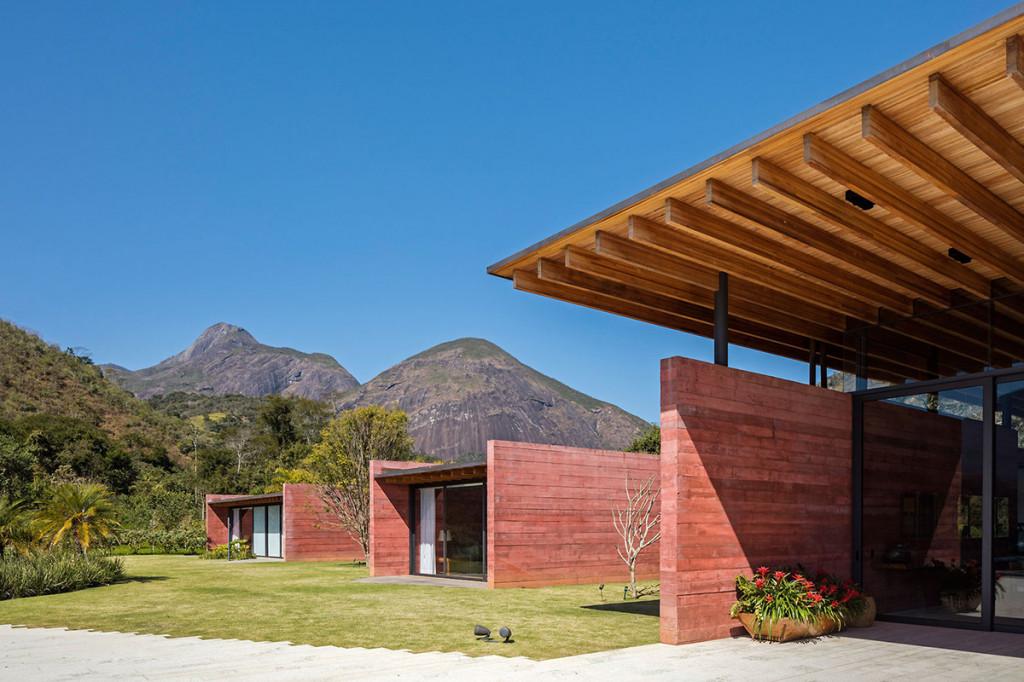 Casa Terra / Bernardes Arquitetura