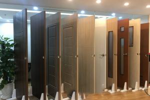 4 mẫu cửa nhựa giả gỗ phổ biến trên thị trường