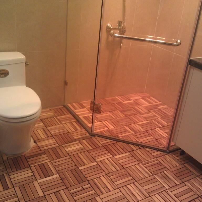Sàn gỗ nhựa là lựa chọn khá phổ biến cho phòng tắm