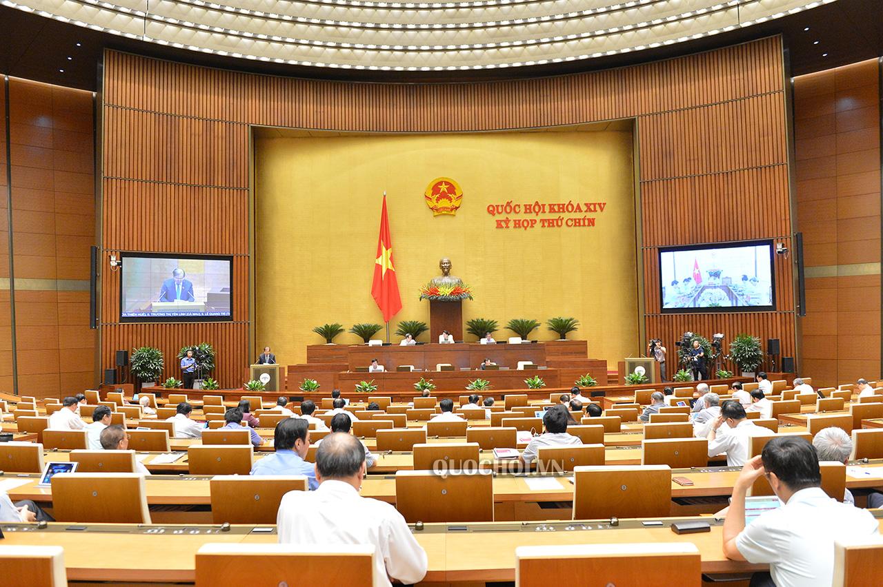 Phiên họp toàn thể thảo luận về dự án Luật sửa đổi, bổ sung một số điều của Luật Xây dựng tại Kỳ họp thứ 9 Quốc hội khóa XIV