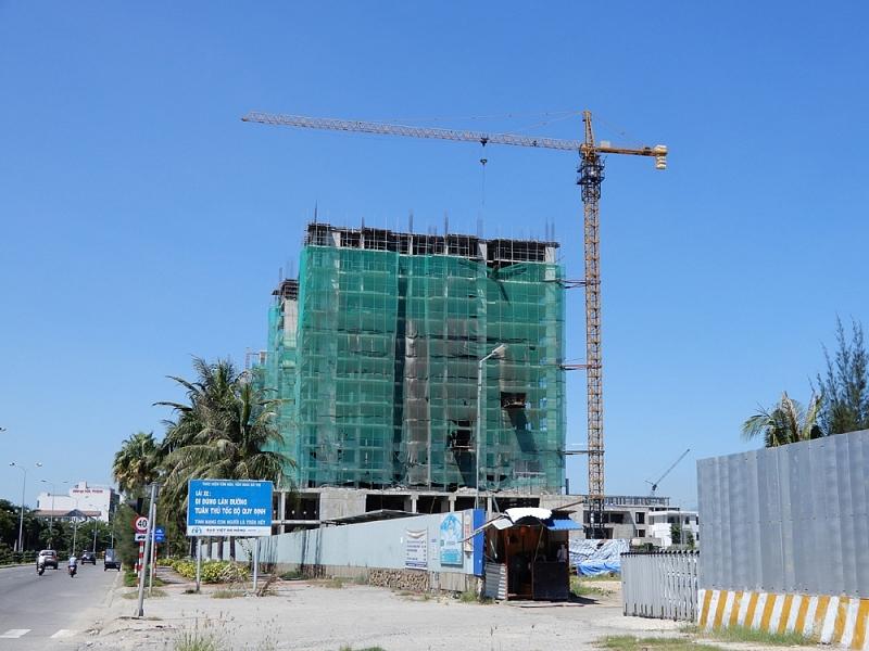 Sở Xây dựng Đà Nẵng yêu cầu tại các công trình xây dựng, chủ đầu tư, nhà thầu thi công, tư vấn giám sát phải thực hiện đầy đủ các yêu cầu đối với công trường xây dựng theo quy định của Luật Xây dựng (Ảnh minh họa)