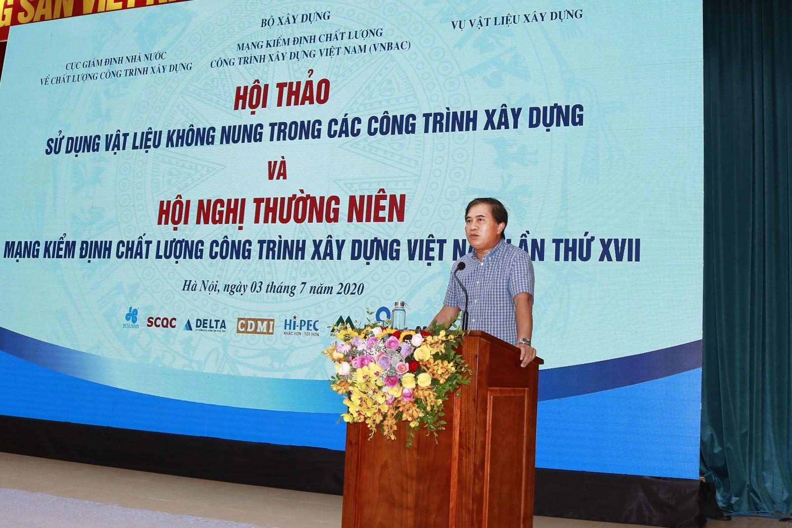 Thứ trưởng Bộ Xây dựng Lê Quang Hùng phát biểu tại hội thảo
