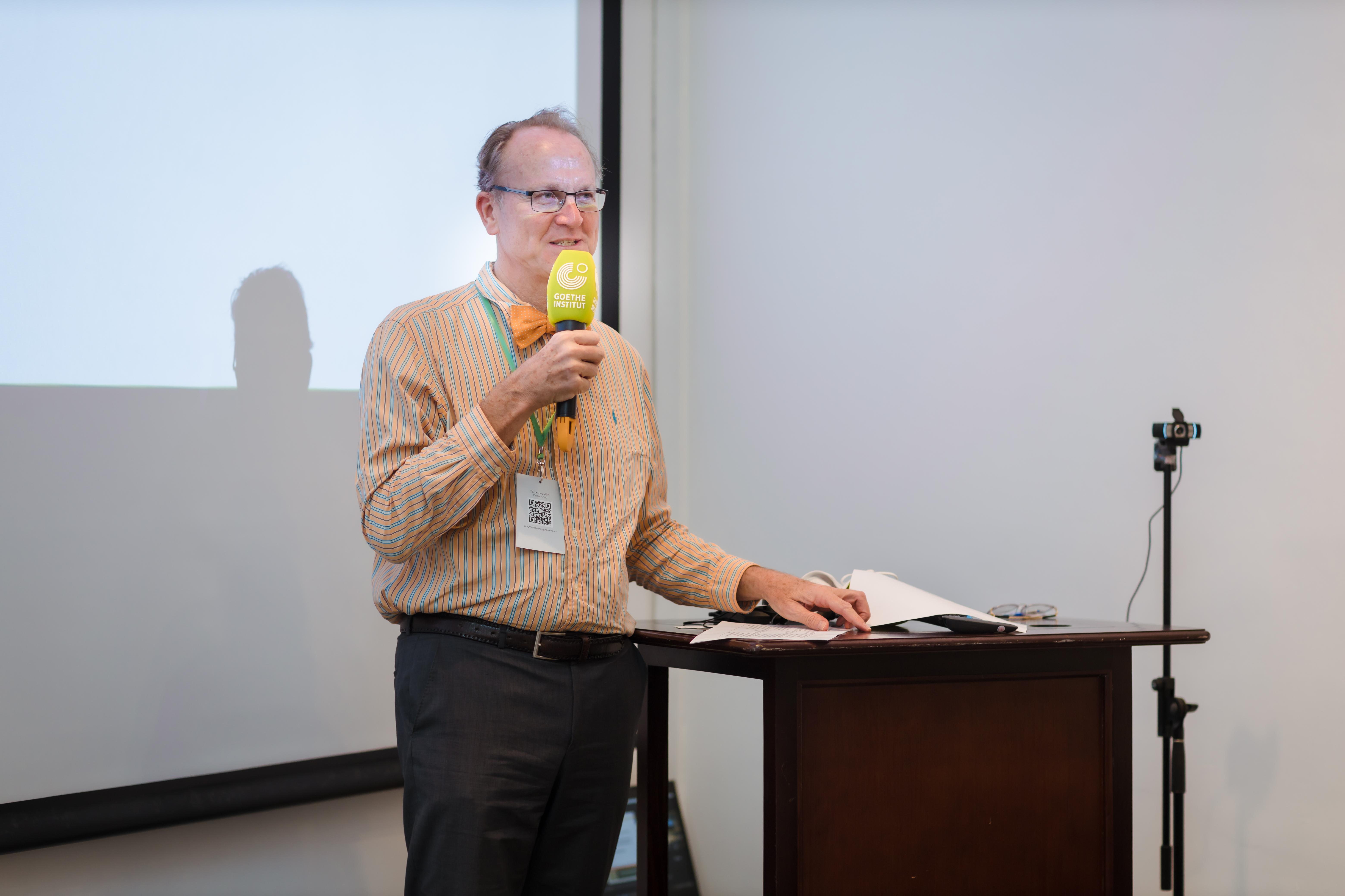 Ông Wilfried Eckstein Viện trưởng Viện Goethe phát biểu Khai mạc Chương trình