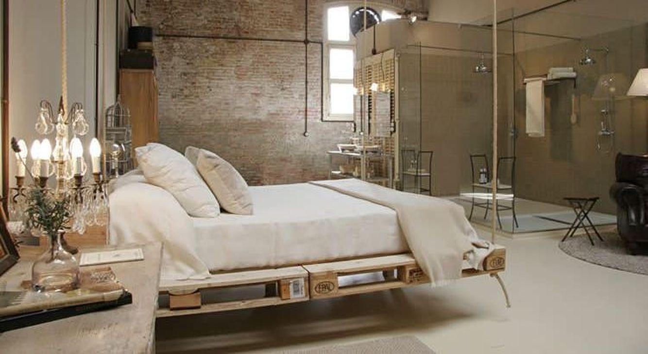Thiết kế giường treo theo phong cách Scandinavian đơn giản, tinh tế nhưng vẫn rất tiện nghi. Phong cách này chuộng gam màu trắng, màu đất, chất liệu thô mộc tự nhiên, lông thú và da. Thực sự như thiết kế giường treo ở trên chắc ở nhà cả ngày cũng được. Ý tưởng này vừa ấm cúng, dễ dọn dẹp, thuận tiện mà rất tinh tế, trang nhã.