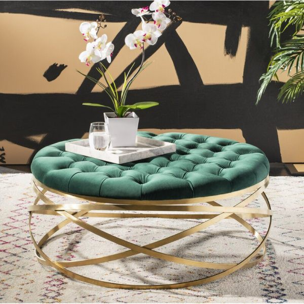 Kiểu dáng độc đáo khiến chiếc ghế này vừa có thể làm bàn vừa có thể làm ghế