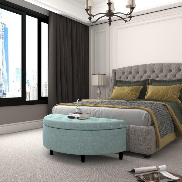 Một nơi gác chân, đựng đồ tuyệt đẹp, nằm ở cuối giường
