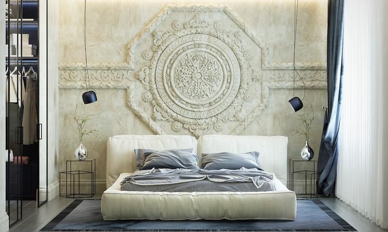 Bức tường phù điêu đắp bằng thạch cao tinh xảo, thể hiện gu thẫm mỹ tinh tế của người sở hữu.