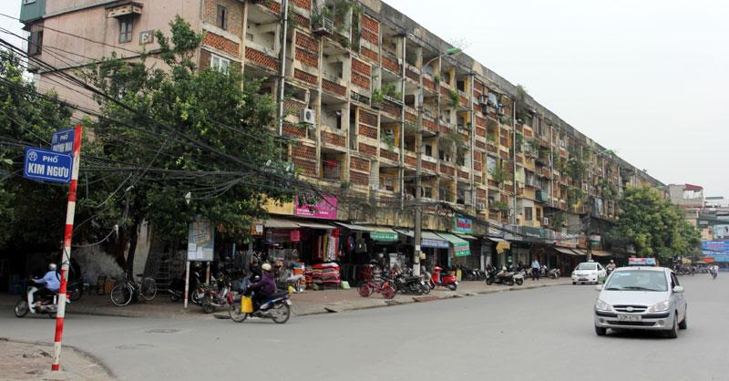 Chung cư cũ trên phố Kim Ngưu, quận Hai Bà Trưng. Ảnh: Phạm Hùng