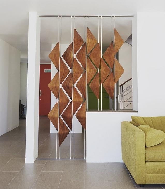 Sáng tạo với các vách ngăn cầu thang bằng gỗ tạo điểm nhấn ấn tượng trong không gian sống