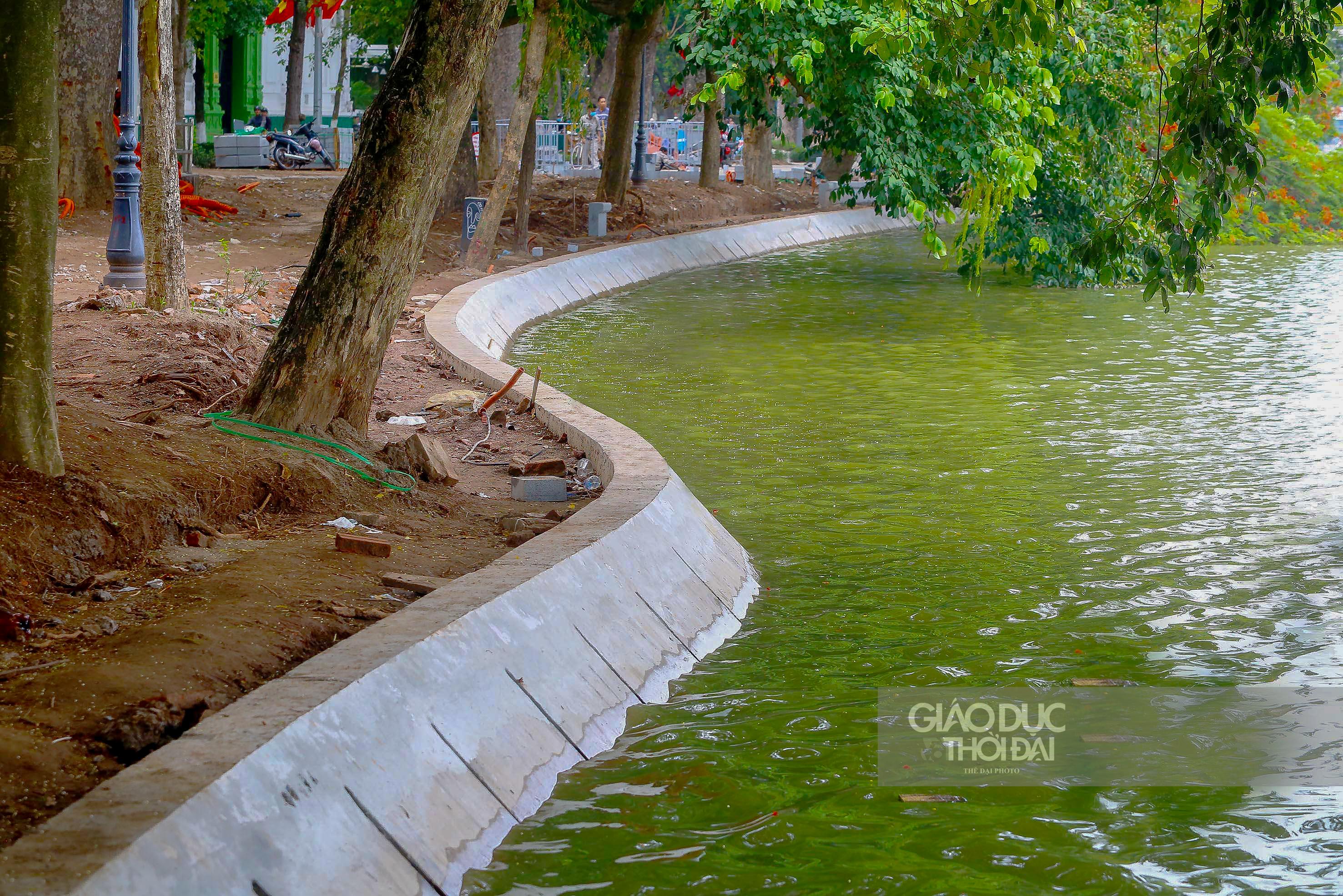 Diện mạo mới của bờ hồ Hoàn Kiếm