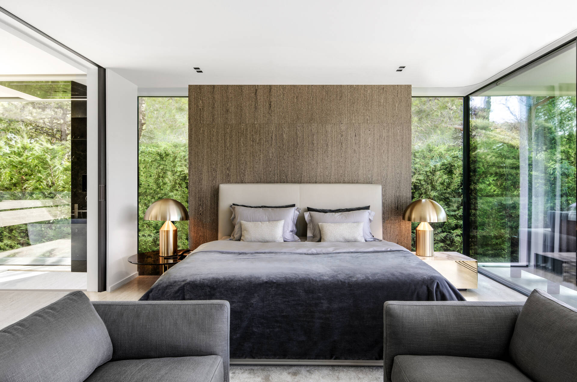 Thiết kế tận dụng tối đa cảnh quan thiên nhiên tạo ra một lối sống sảng khoái giữa trong nhà và ngoài trời